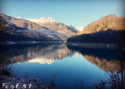 Il meraviglioso specchio del Lago di Sauris